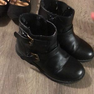 Old navy Toddler girl boots size 10